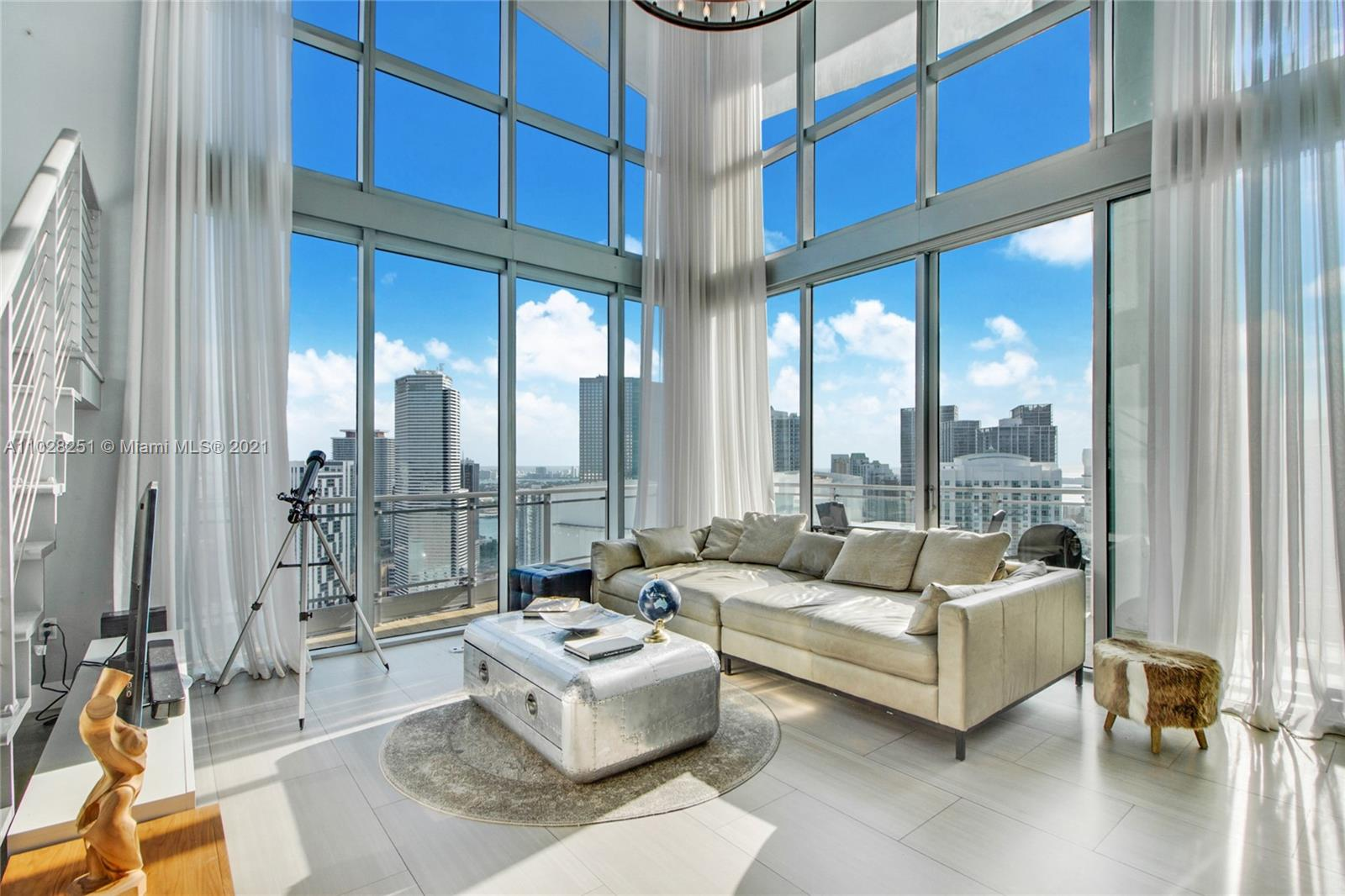 90 SW 3rd St #PH-5 For Sale A11028251, FL