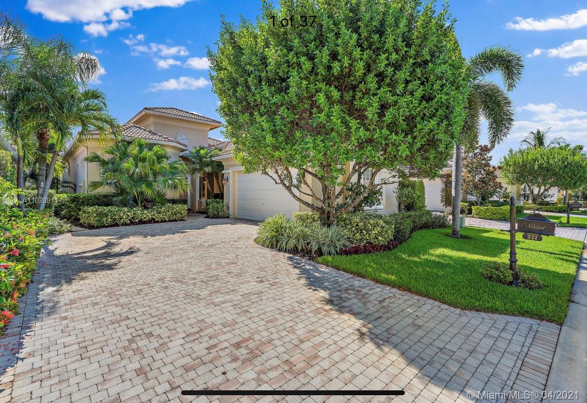Newly remodeled estate home in a highly desirable section of Mirasol, with views of the golf course and lake. Brand new flooring, European style kitchen, luxury master bath and guest bathroom remodels highlight just a few of the upgrades made to the residence.