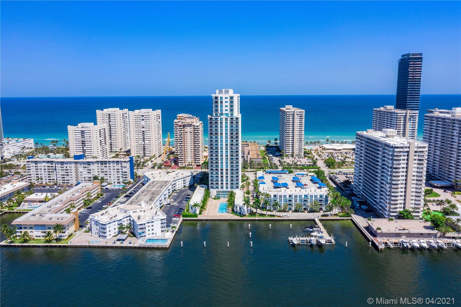 RARE ON THE MARKET!! LARGEST FLOOR PLAN!! 2100 SQ FEET UNDER AIR!!! SE EXPOSURE, BEST LINE IN THE BUILDING THIS UNIT ON THE 24TH FLOOR WITH  SUPER HIGH CEILINGS, AMAZING OCEAN VIEWS AND INTRACOASTAL VIEWS!! EASY TO SHOW!! GREAT BOUTIQUE BUILIDNG, CALL NOW!! UNIT RENTED UNTIL OCTOBER 2021 EXCELLENT TENANT PAYING $3500 A MONTH. CALL NOW DONT WAIT, MAKE YOUR OFFER!!