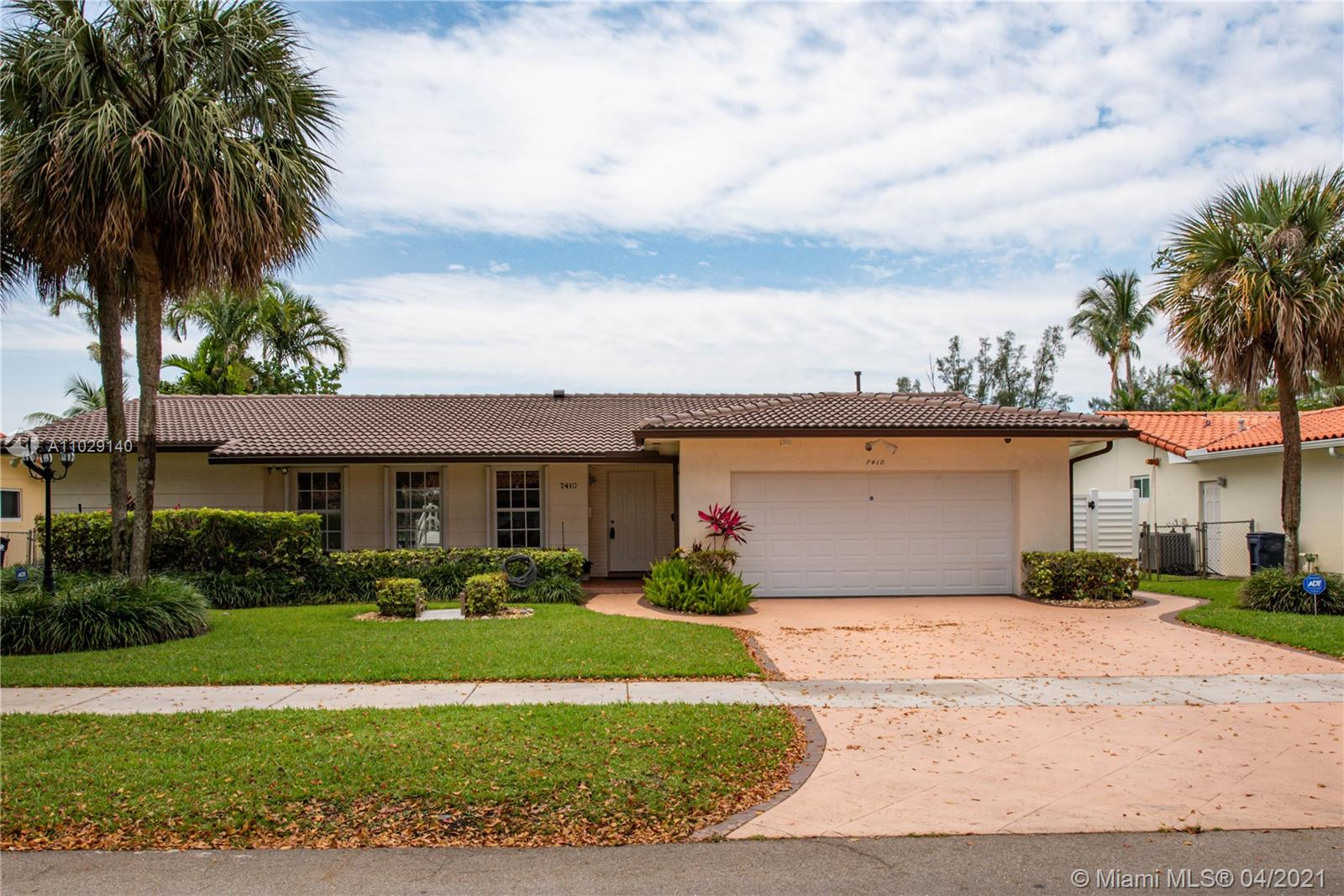 7410  Loch Ness Dr  For Sale A11029140, FL