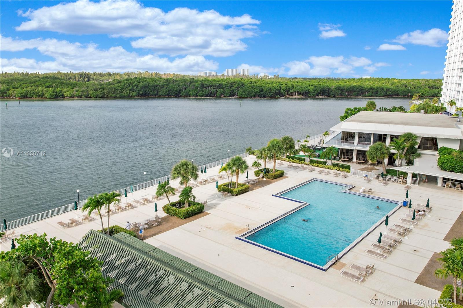 300  Bayview Dr #404 For Sale A11030742, FL