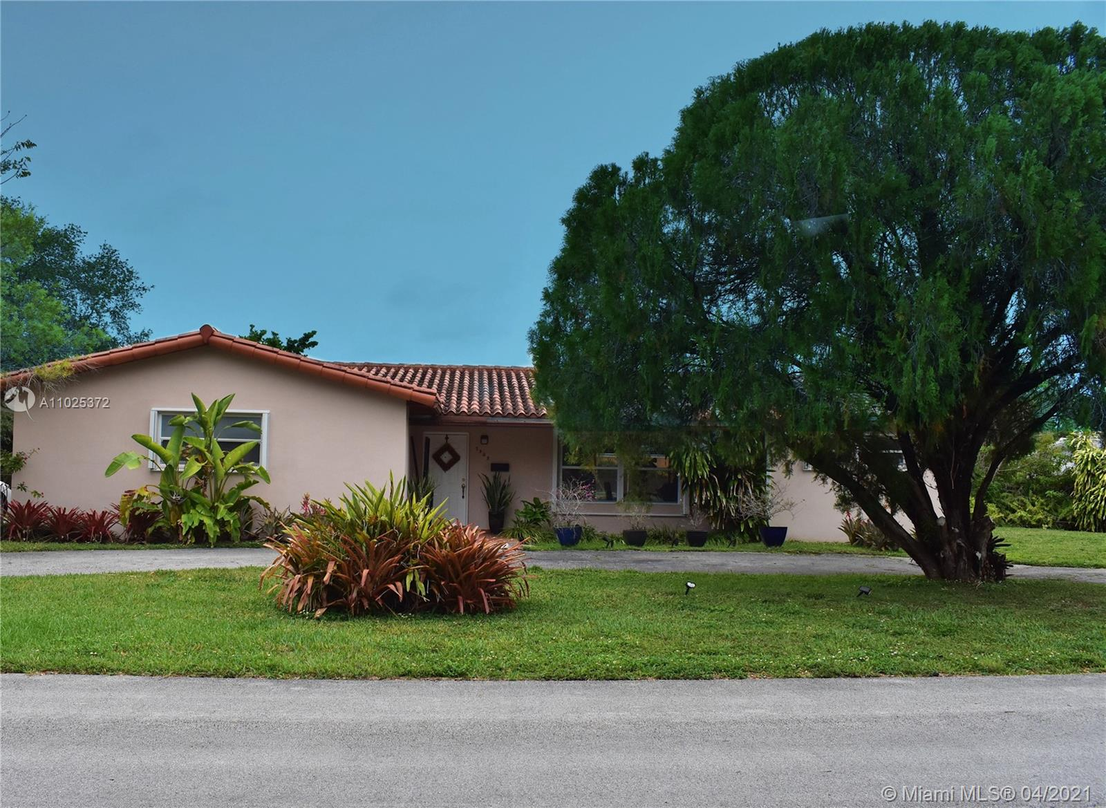 7905 SW 108th St  For Sale A11025372, FL