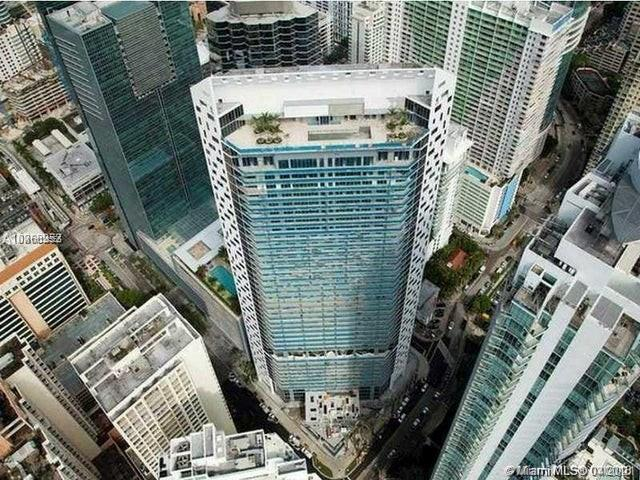 Amazing opportunity to purchase a gorgeous residence at the Stunning Brickell House. Spacious and bright one bedroom one bath floor plan with top of the line modern finishes. Unit features pristine porcelain floors, an expansive terrace spectacular floor to ceiling windows. Luxury amenities include an 11th floor pool & lounge deck, a rooftop pool and more.