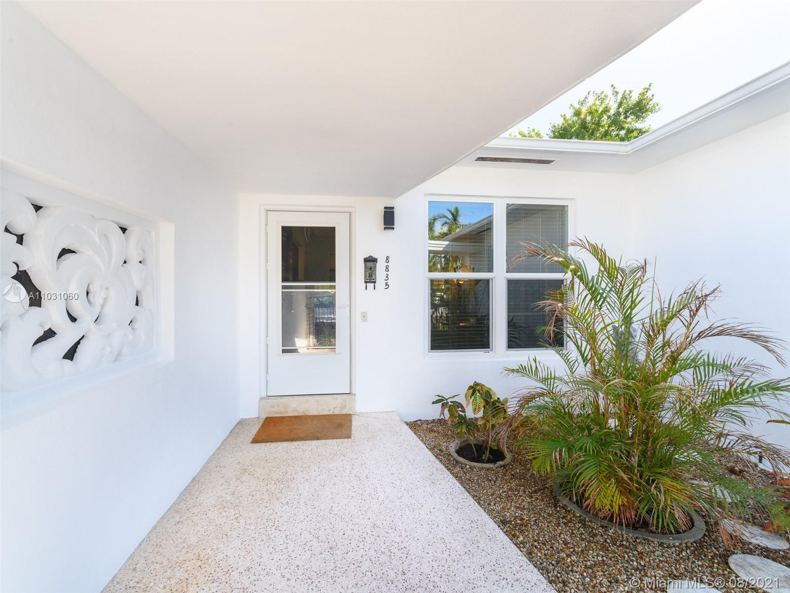 8835  Hawthorne Ave  For Sale A11031060, FL