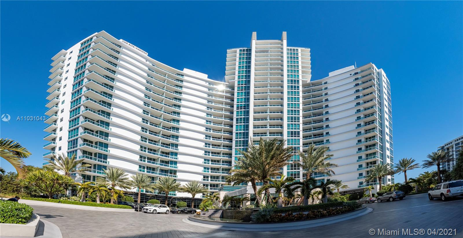 Breathtaking 1 Bedroom, 1 bath Condo-Hotel Luxury Residence. Ocean and canal panoramic views. Fully furnished by Ritz Carlton hotel standards. Unit under Hotel Program. Make money when not using unit. Please schedule showing 24 hrs in advance.