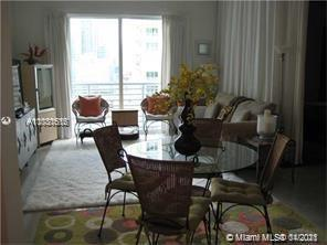 Investors dream!!! Beautiful 1Bed/1Bath with excellent view, excellent location location location,  in the heart of downtown, just 1 block from American Airlines Arena,  1 Block from Bay side, in front of Metro mover station. Loft style unit, Completely updated few years ago!!!! 12 Foot ceilings!!!! Modern kitchen w/ stainless steel appliances, Quartz countertops. Custom closets w/ tons of built-ins.  Washer & dryer in the unit. Furniture included. Short term rental permitted, Unit can be rented 12 times per year.   Unit has been rented for past 7 years and comes with tenant, renewable every 6 months!!!!