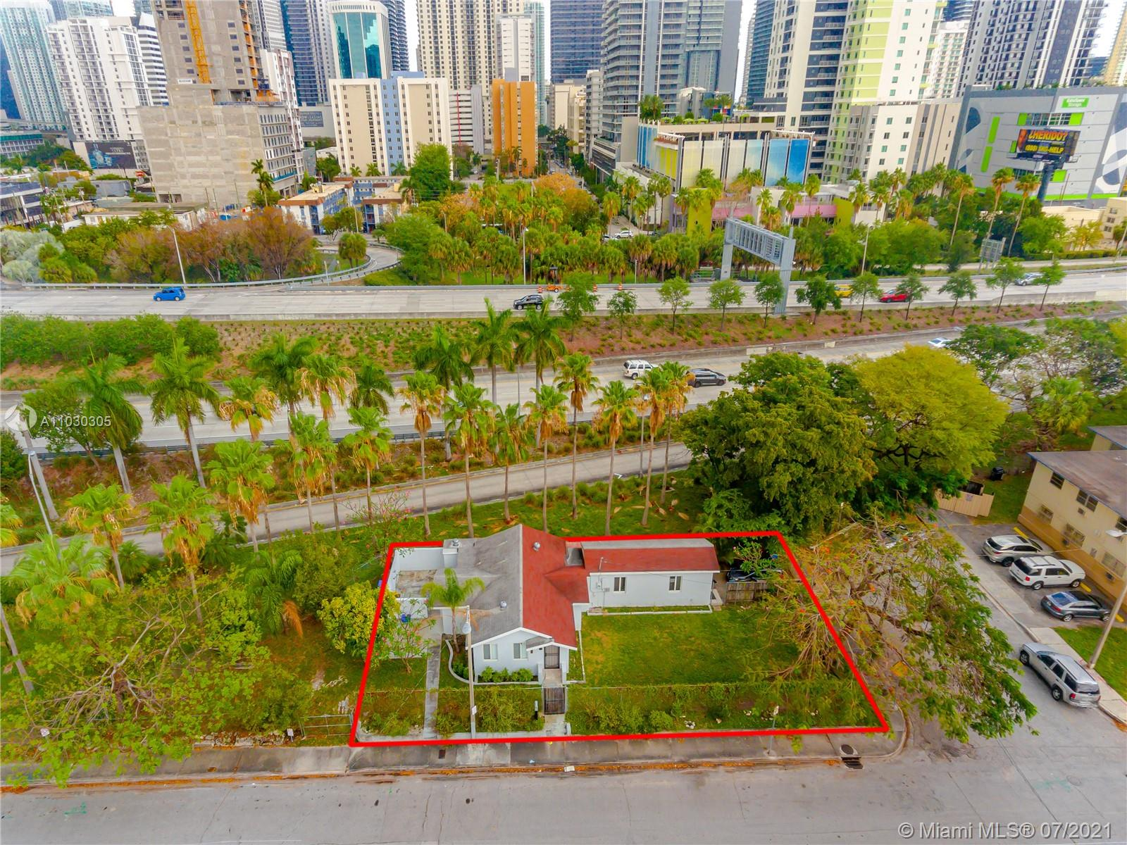 933 SW 4th Ave  For Sale A11030305, FL