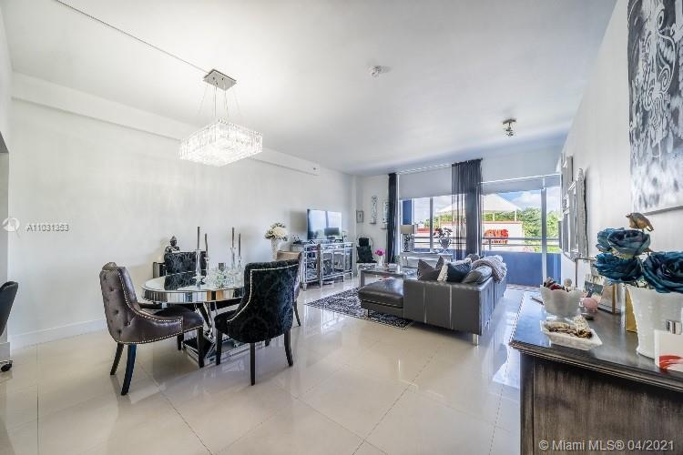 Style and class await you in this ultra-modern and luxurious unit in the heart of Coconut Grove!! Unit features include stainless steel appliances, granite counter tops, high ceilings, porcelain flooring throughout and ample closet space!! Unit includes two full bathrooms and over 900 square feet of living space. With only 10 units per floor, building is very private and well maintained. The rooftop pool puts this property over the top and is a great value when you factor in the location, size of the unit & free internet/cable package!! Will not last!! **This unit has a wall that does separate the bedroom area**