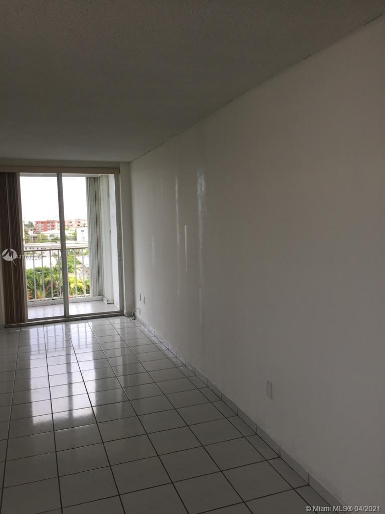 2/2 apartment on the 6th Floor with a nice view, unit needs some repairs and upgrades showings only on the weekends with 24 hour request.  commission will be subject to lenders approval   UNIT NEEDS COMPLETE REHAB