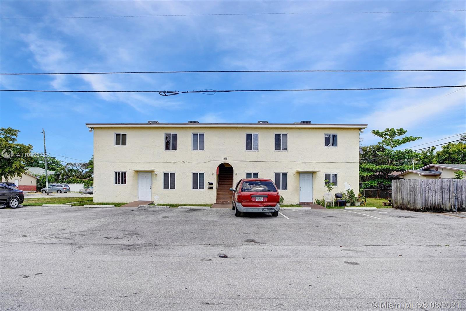 1216 SW 39th Ave  For Sale A11032573, FL