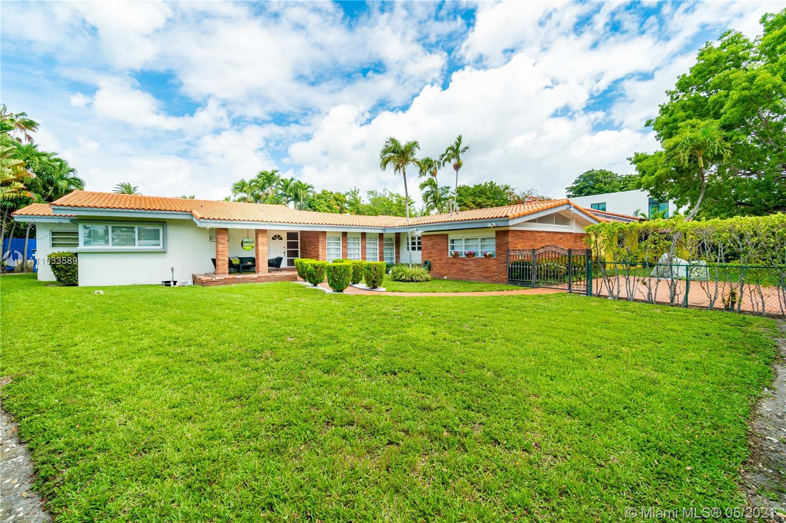 Undisclosed For Sale A11033589, FL