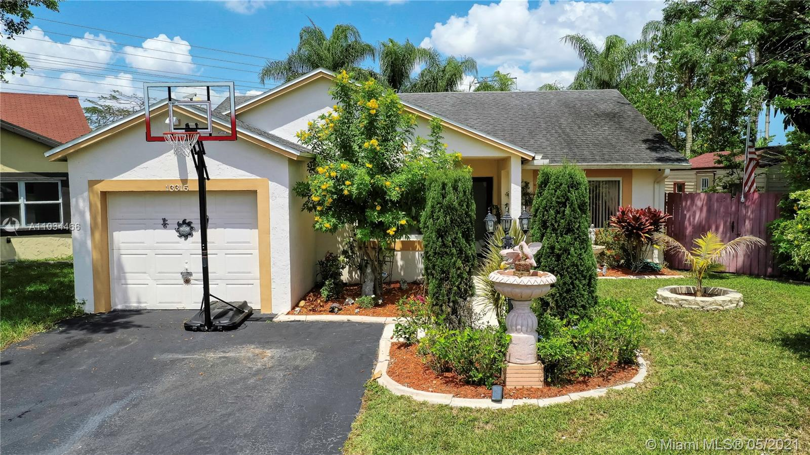 13315 SW 112th Ct  For Sale A11034466, FL