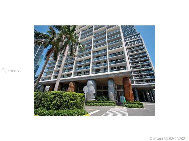 Beautiful  Apartment   in  the   heart  of   Brickell.  Italian  cuisine.  Swimming   pool,  full  amenities,  billiard  room,  party  room, business  center, walking  near  the  most famous  and  exquisite  restaurants,  bay v iew. excellent  for  those  who  like  to  live  in  the  center of  brickell  with  convenience  and  comfort