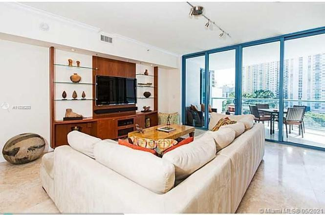 LOCATION LOCATION LOCATION! Live in the HEART of downtown in FTL's landmark tower, the LAS OLAS RIVER HOUSE. Private Foyer opens into a stunning double door marble entry foyer. This spacious 2129sf 2/3 unit features East and West facing balconies with floor to ceiling windows throughout. LARGE OPEN DESIGNER kitchen area with high end appliances, LARGE Laundry area, master suite with dual walk-ins and more. The River House offers a 5 star lifestyle with 24 hour vale, concierge, fitness center with classes, 6th floor resort style pool/grill/hot tub/putting green with views of the Riverwalk, sunsets and Huizenga park. Look no further- THIS is YOUR new home!