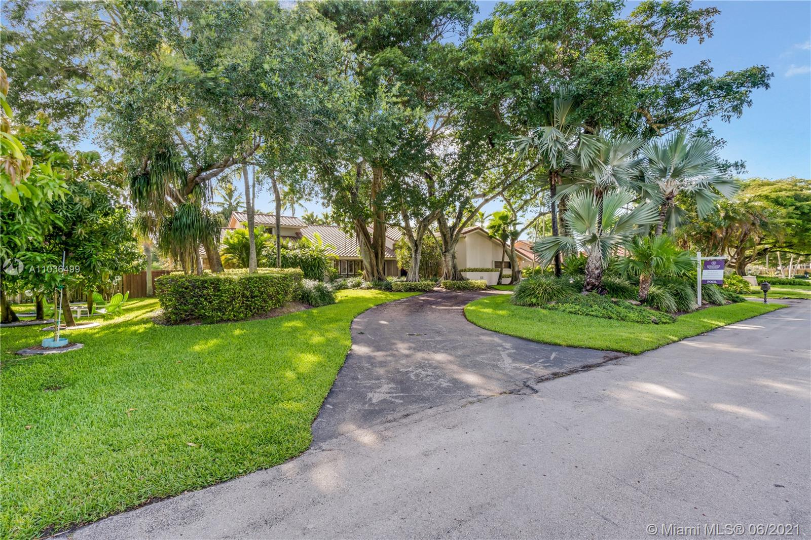 10126 SW 93rd Pl  For Sale A11036499, FL