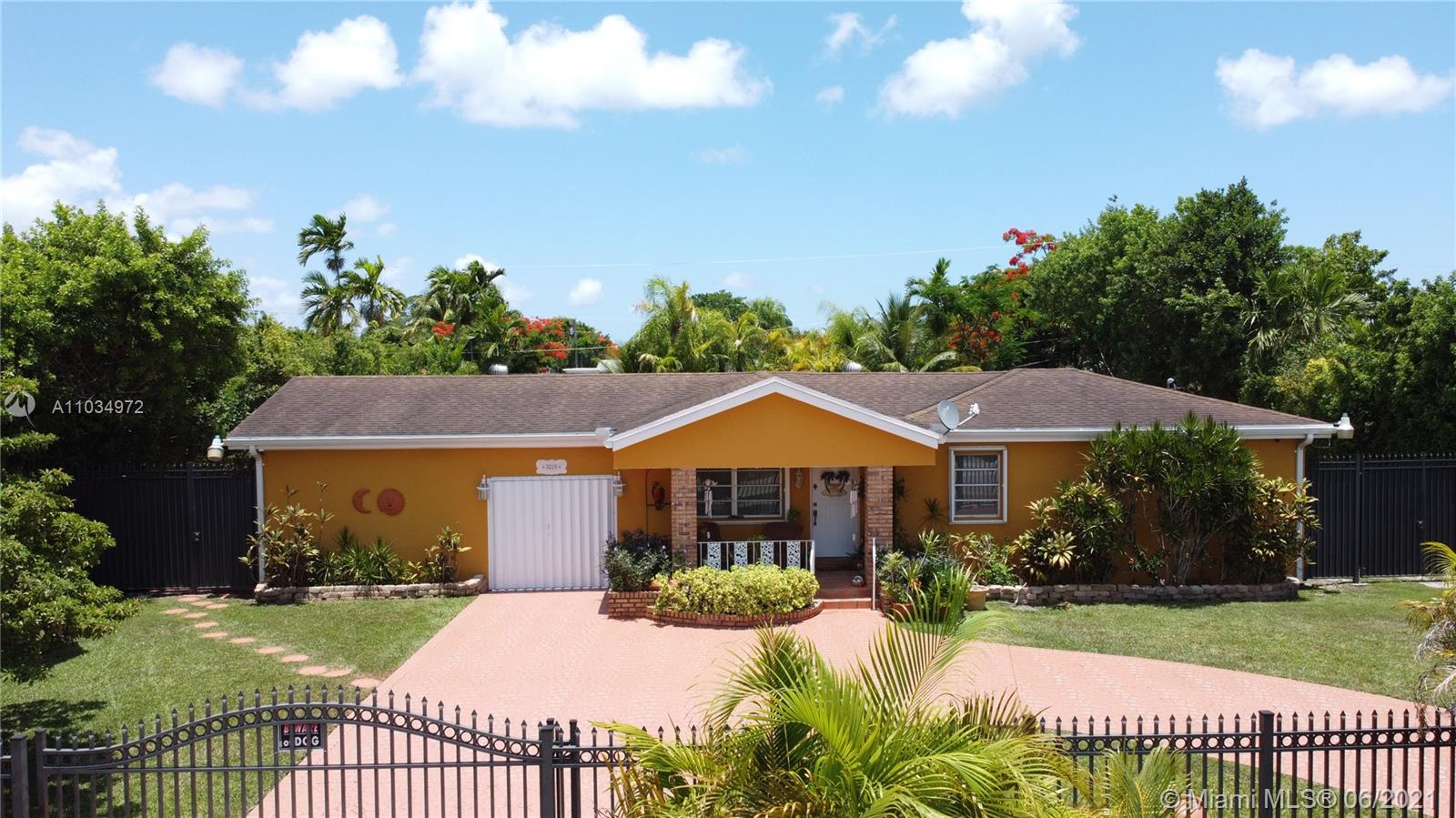 3225 SW 80th Ave  For Sale A11034972, FL