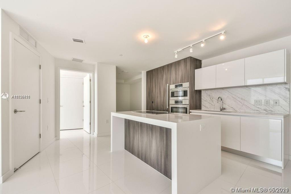 851 NE 1st Ave #809 For Sale A11036710, FL