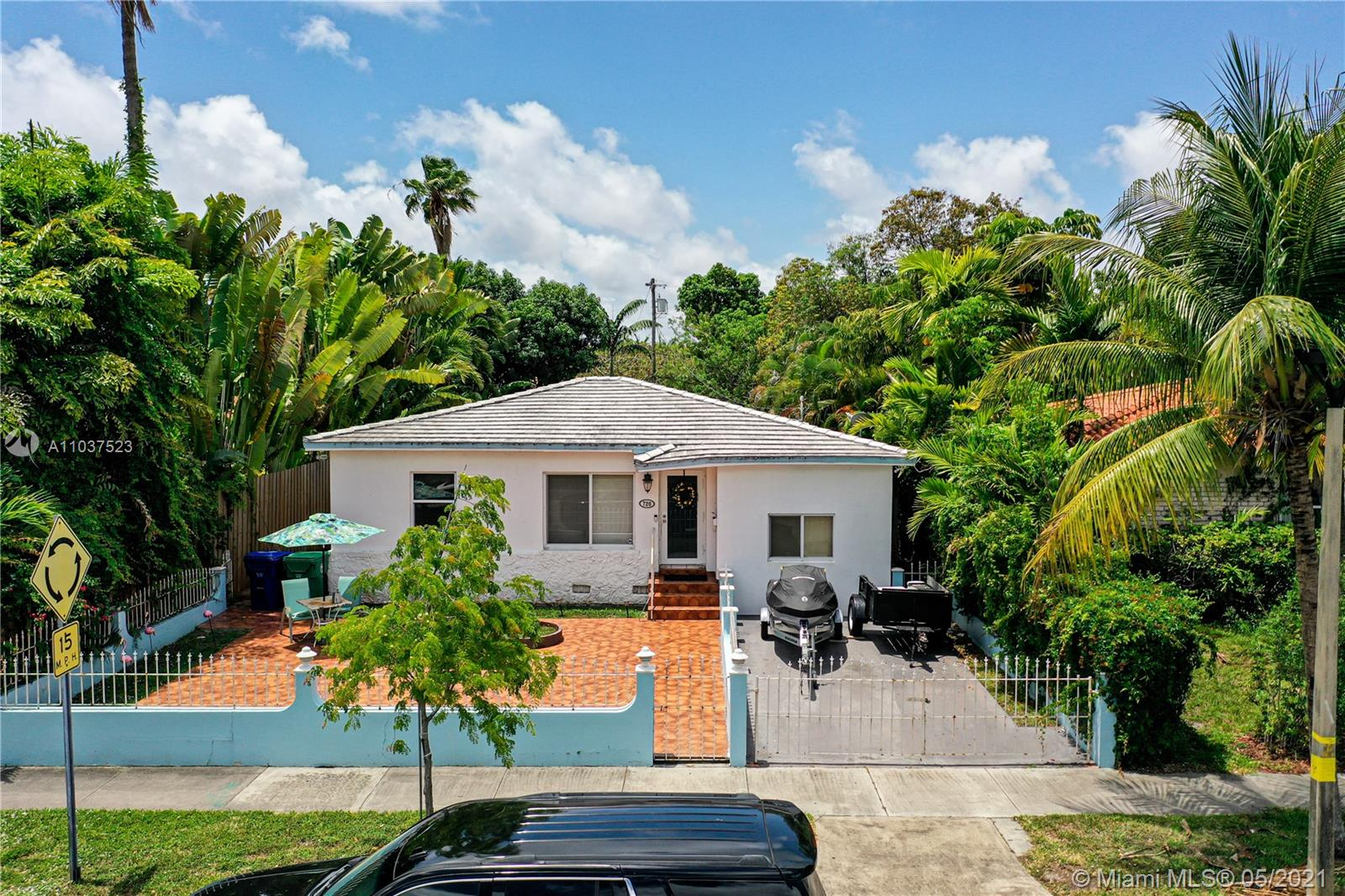 720 SW 20th Rd  For Sale A11037523, FL