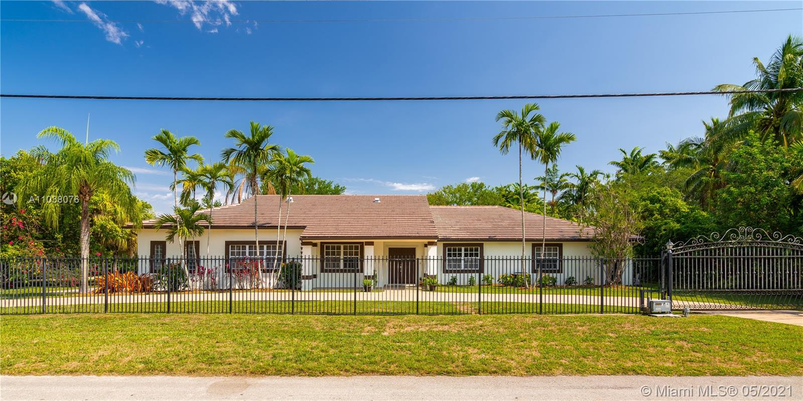 11461 SW 93rd St  For Sale A11038076, FL