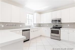 3890  Crestwood Cir  For Sale A11038118, FL