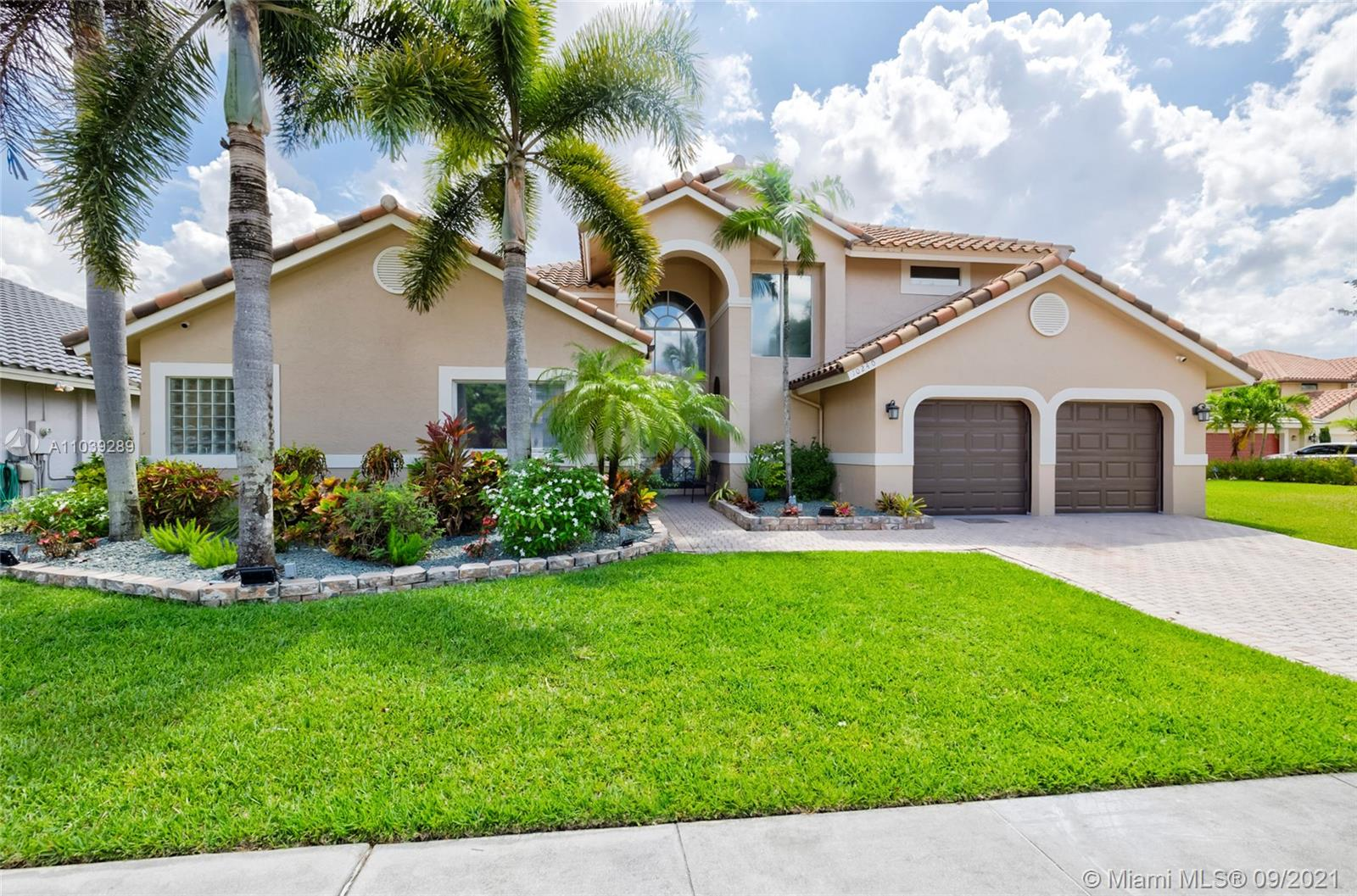10240 SW 13th St  For Sale A11039289, FL