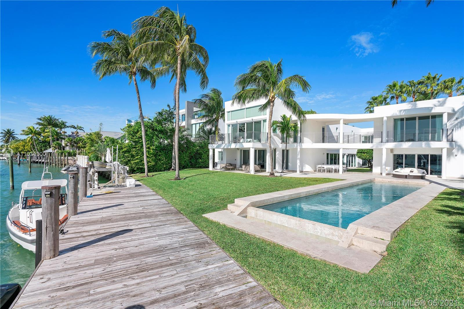 890  HARBOR DRIVE  For Sale A11039300, FL