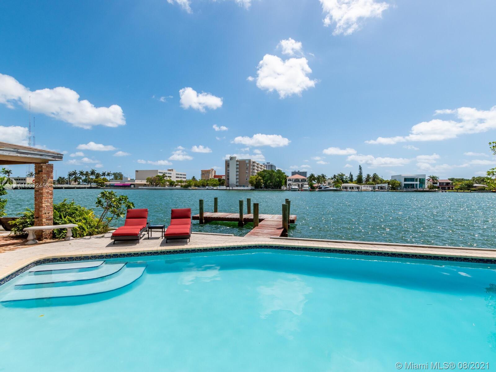 7701  Beachview Dr  For Sale A11032450, FL