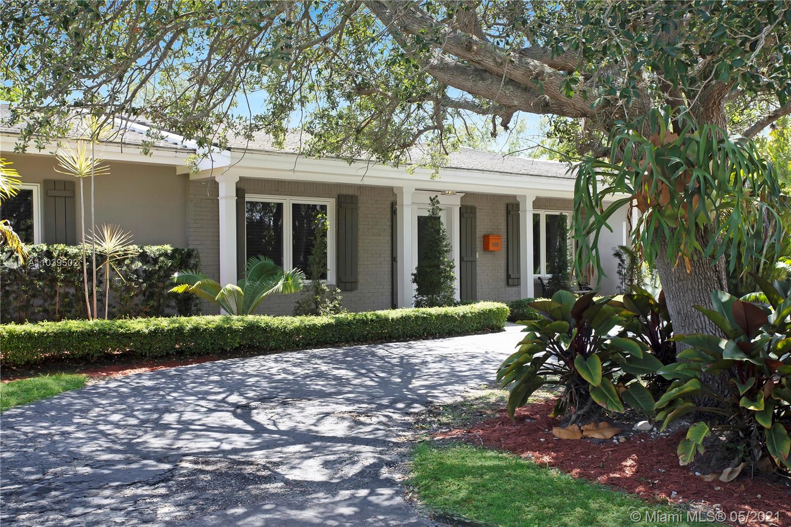 DON'T MISS THIS OPPORTUNITY TO LIVE IN EXCLUSIVE GATED/SECURE - GABLES-BY-THE-SEA COMMUNITY! PINECREST ELEMENTARY! WALK YOUR CHILDREN TO GABLES-BY-THE-SEA PARK OR GULLIVER ACADEMY; BRITE & SPACIOUS LIVINGROOM, DINING, FAMILY; EAT IN KITCHEN/BREAKFAST BAR; STAINLESS STEEL APPLIANCES; CERAMIC FLOORS; UPDATED BATHS; MASTER WALK IN CLOSET; LAUNDRY ROOM; EXTRA AVAILABLE ATTIC STORAGE SPACE; IMPACT FRONT DOOR & WINDOWS THROUGH-OUT, NEWLY RESURFACED POOL, PATIO, GARDEN AREA. GREAT FOR ENTERTAINING! WON'T LAST!!