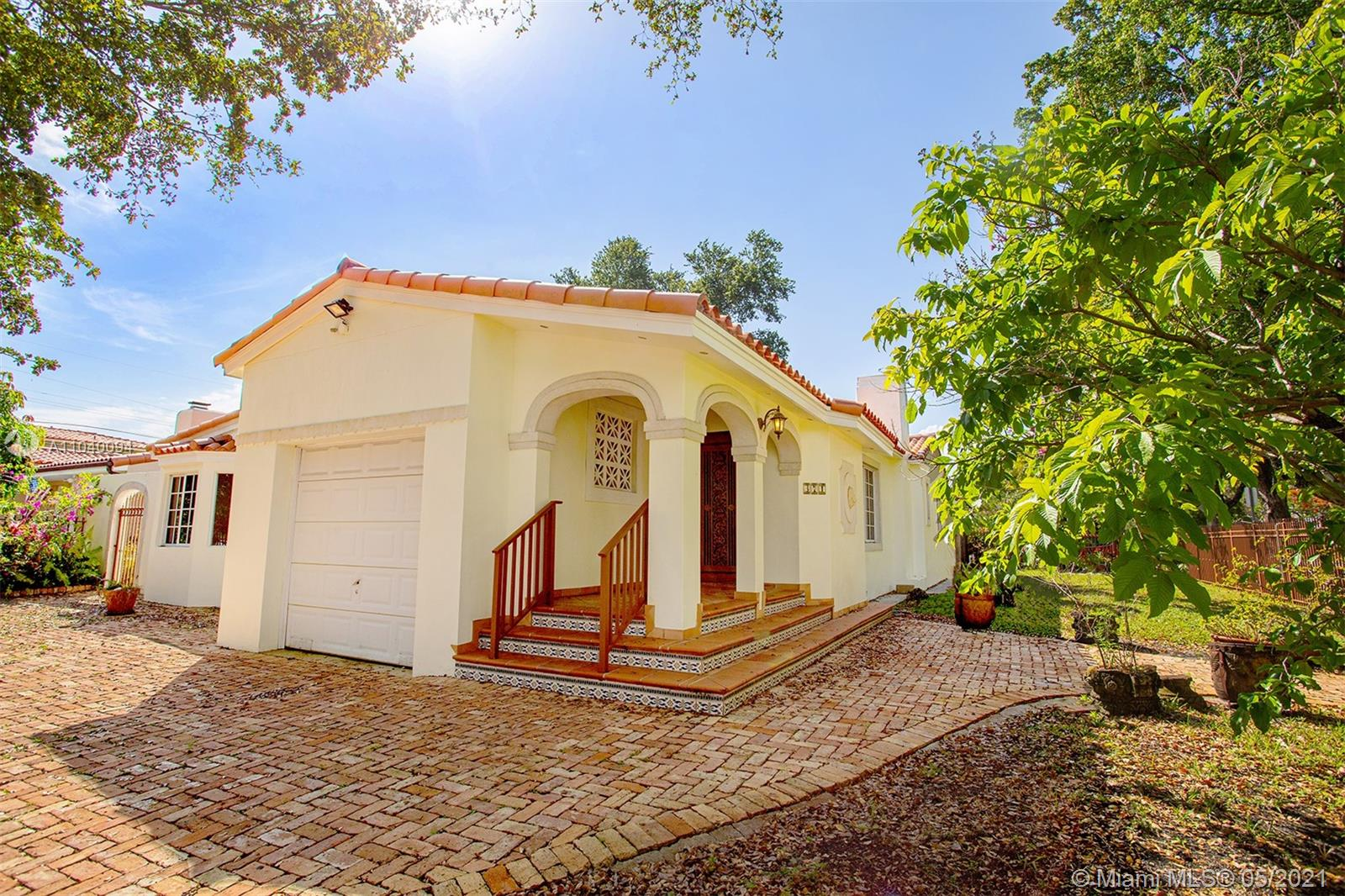 371 SW 29th Rd  For Sale A11040094, FL