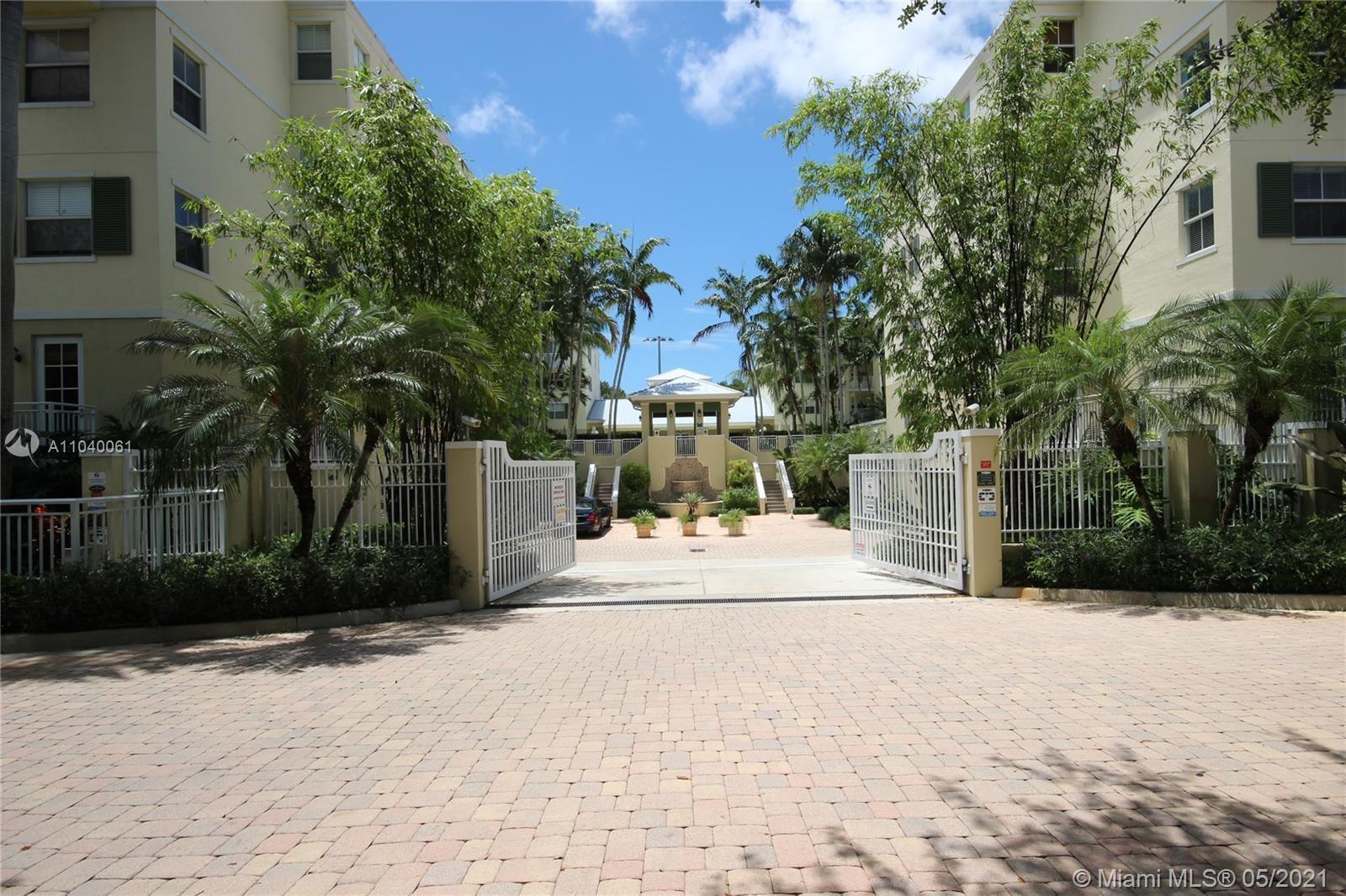 Ideally located one-story 3 bedroom 2.5 bathroom unit at The Reserve of Pinecrest.  All tiled floors including high-end appliances, jacuzzi bathtub, custom closets, crown-molding, in-ceiling speakers and wired for private alarm system.  2 covered parking garage spaces and a great floor plan.  Very large private patio balcony.  Don't miss this opportunity!