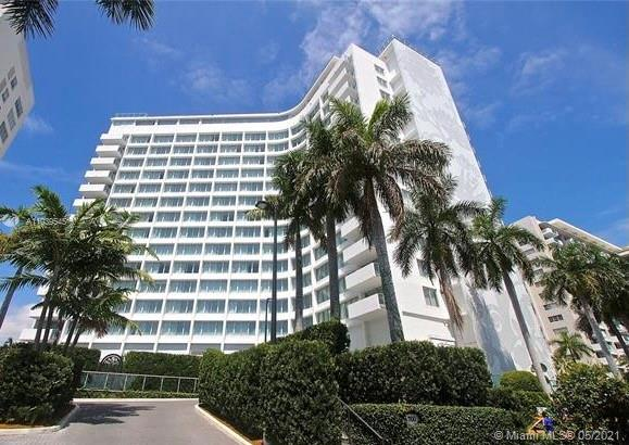 Gorgeous modern unit in a modern environment, prime location. Unit comes with a large balcony. minutes to all the hotspots of Miami Beach.
