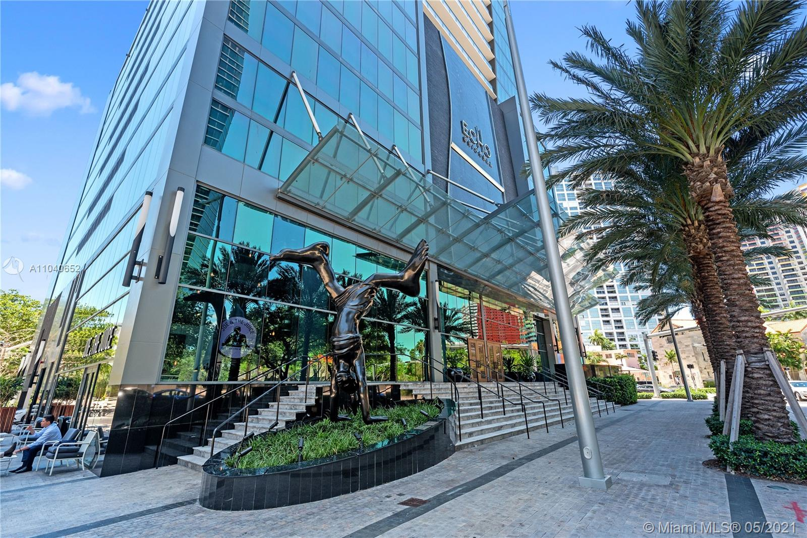 Amazing Bay/ocean view from spectacular 2BED/2.5BATH corner unit in high floor at Echo Brickell the newest boutique building in Brickell. Fully finished Flow thru marble flooring,Italian Glass cabinetry, marble countertops, top of the line appliances: SubZero, Wolf, Bosh, custom closet, electric blinds, expansive terrace with summer kitchen. SMART I-Home system (integrated audio speakers & video lighting system) and Bluetooth/fob controlled front door, robotic parking system, 2 parking spaces valet serviced. Infinity-edge pool w/resort style, gym and space, 24/7 concierge, valet, pet walker and more. Tenant occupied. To show we need to coordinate with tenant within 48 hours in advance. Tenant can show 2 times per week Monday - Friday between 2-5 PM.