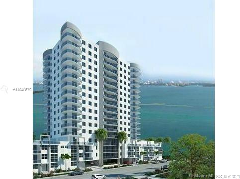 Spectacular 2bed+den . Amazing Miami beach skylines and bay views. Modern kitchen, stainless steel appliances, chery laminate wood floors, granite countertops, and burbur carpet in bedrooms. Building offers pool, gym and a social room.