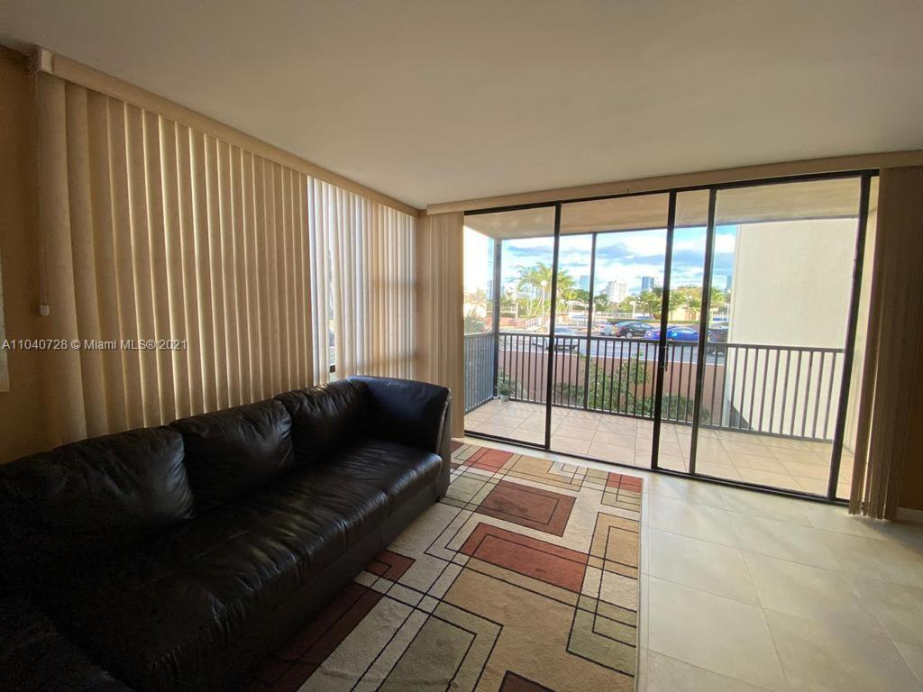 20301 W Country Club Dr #323 For Sale A11040728, FL