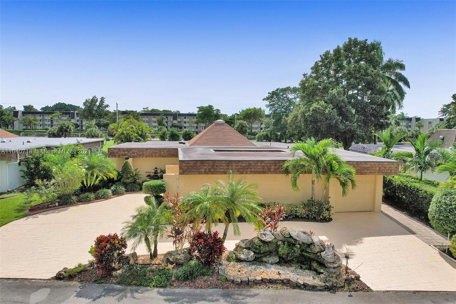 6108  Orchard Tree Ln  For Sale A11040718, FL