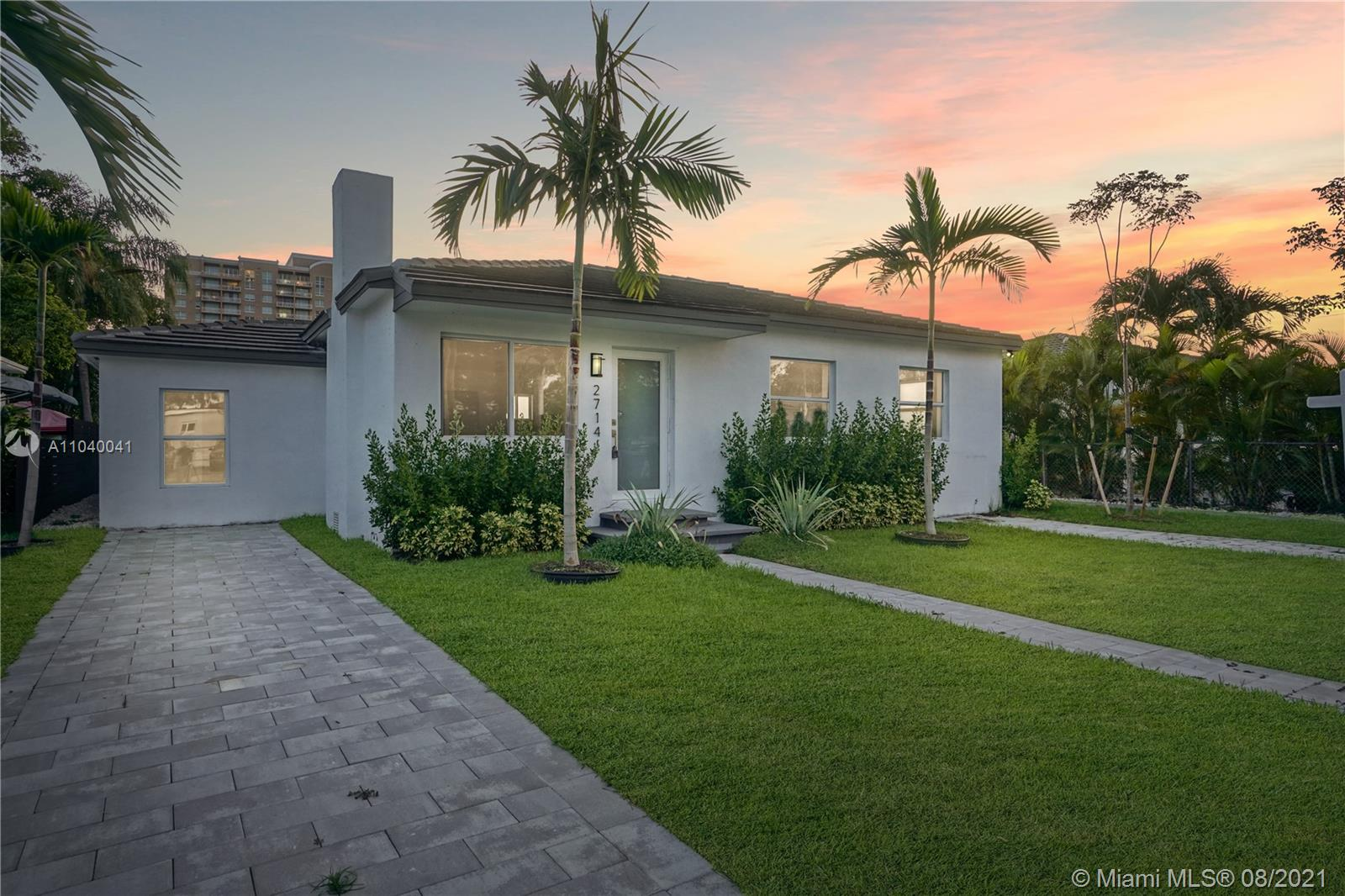 2714 SW 36th Ave  For Sale A11040041, FL