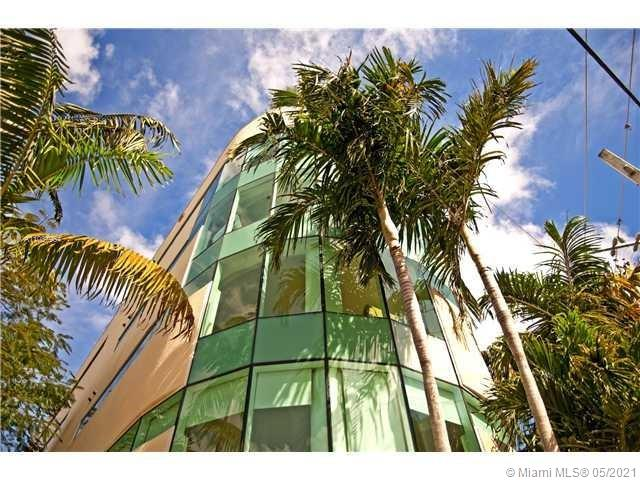 2699  Tigertail Ave #13 For Sale A11037954, FL