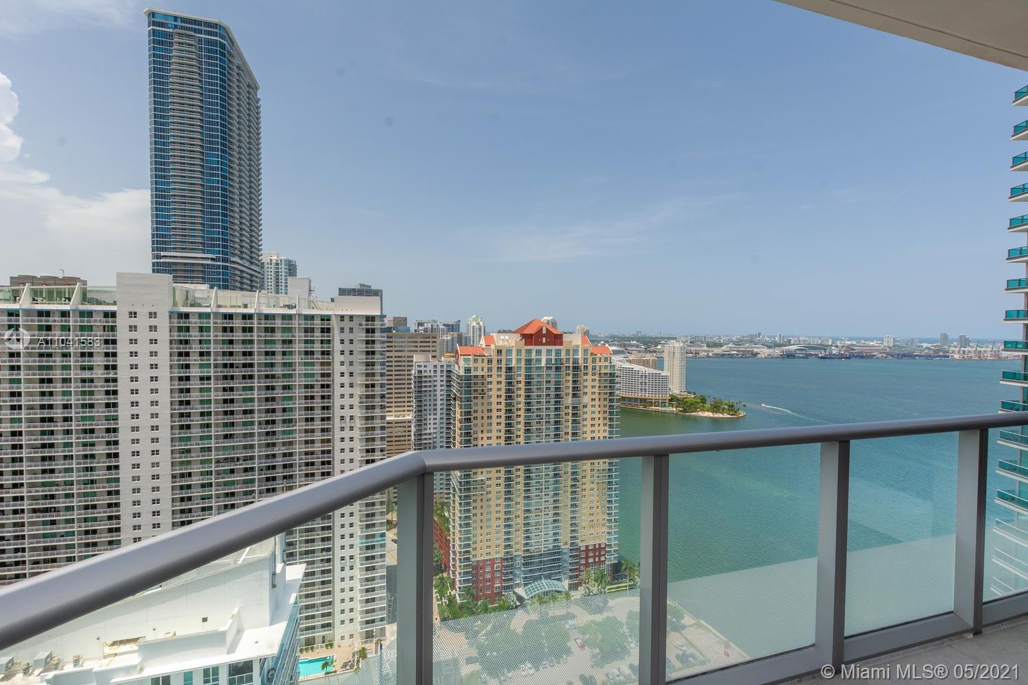 AMAZING PENTHOUSE UNIT IN DESIRED BRICKELL HOUSE LUXURY CONDO. 4 BEDS, 3.5 BATHS, OCEAN AND CITY VIEW FROM 2 BALCONIES. RESORT STYLE SERVICE, 2 POOLS(INCLUDING ROOF TOP), CLUB ROOM, GYM, KIDS ROOM, BBQ AREA AND MORE.