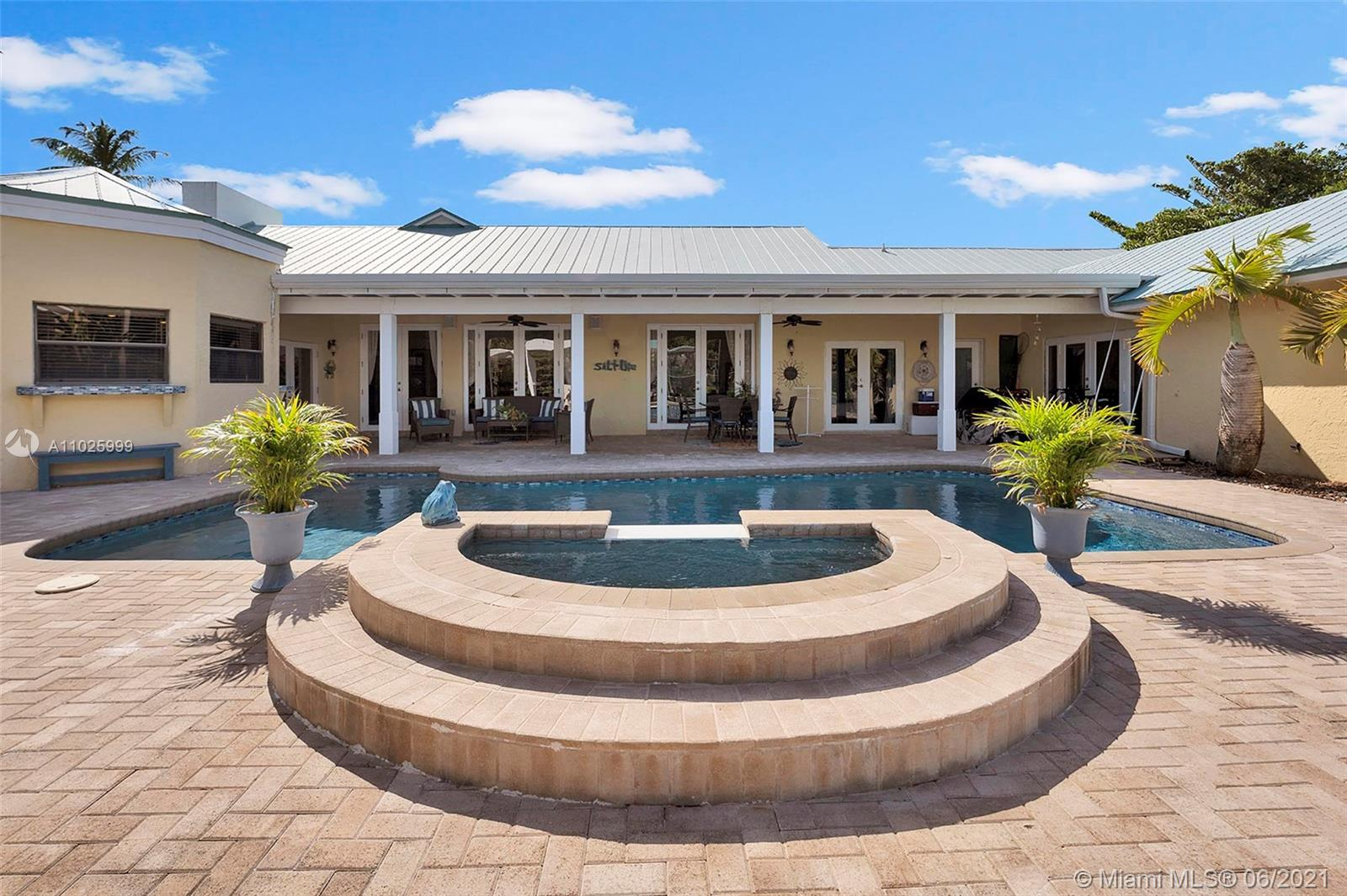 17640  Old Cutler Rd  For Sale A11025999, FL