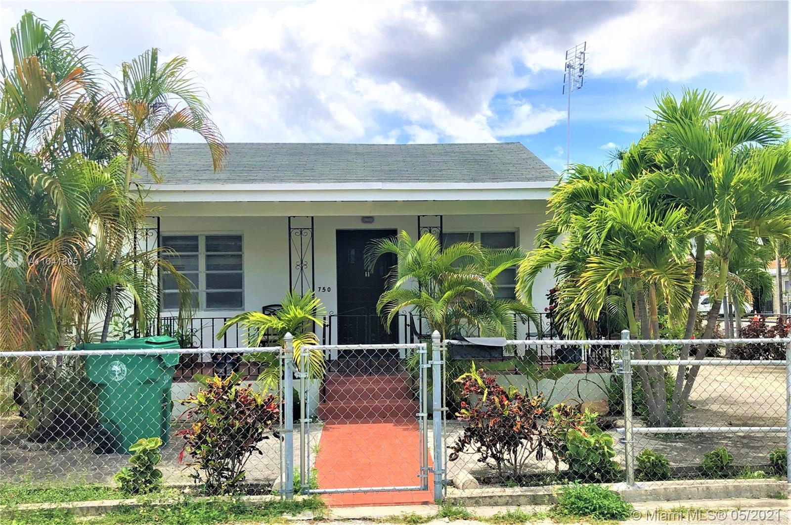 750 SW 10th St  For Sale A11041805, FL