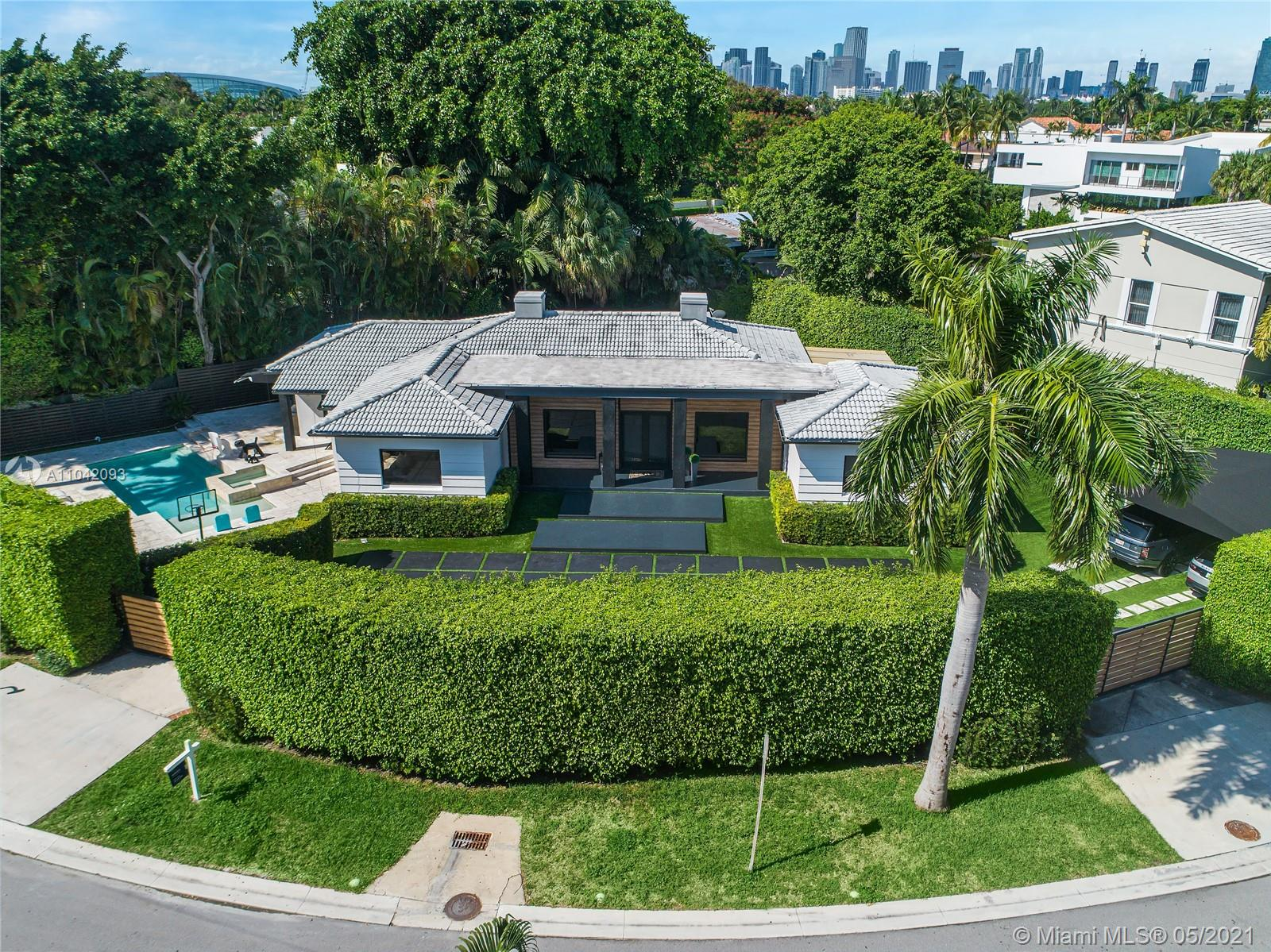 22 N Hibiscus Dr  For Sale A11042093, FL
