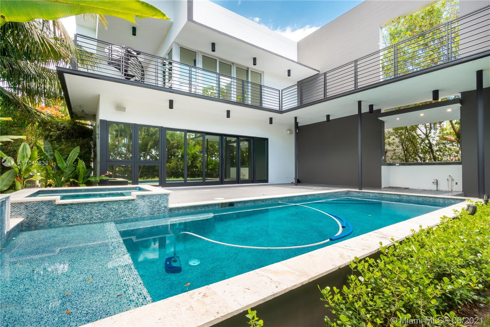 2020  Alton Rd  For Sale A11042838, FL