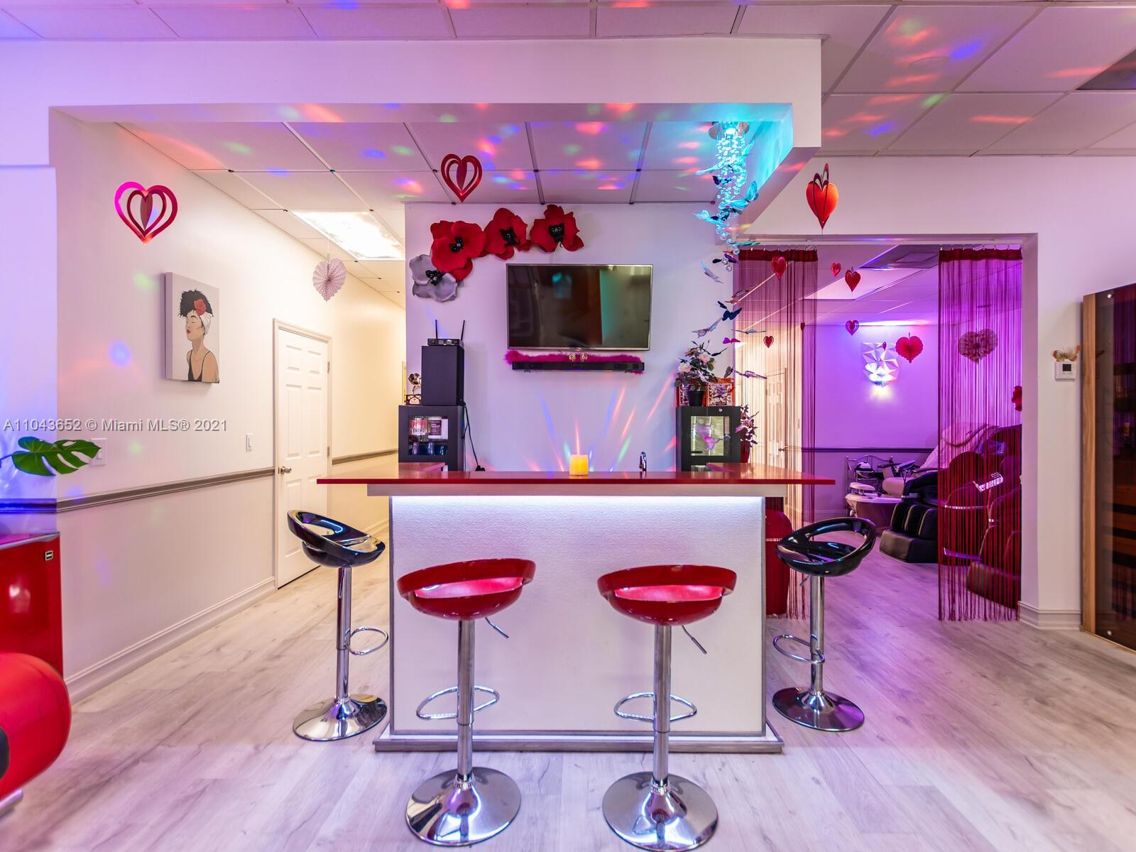 Undisclosed For Sale A11043652, FL