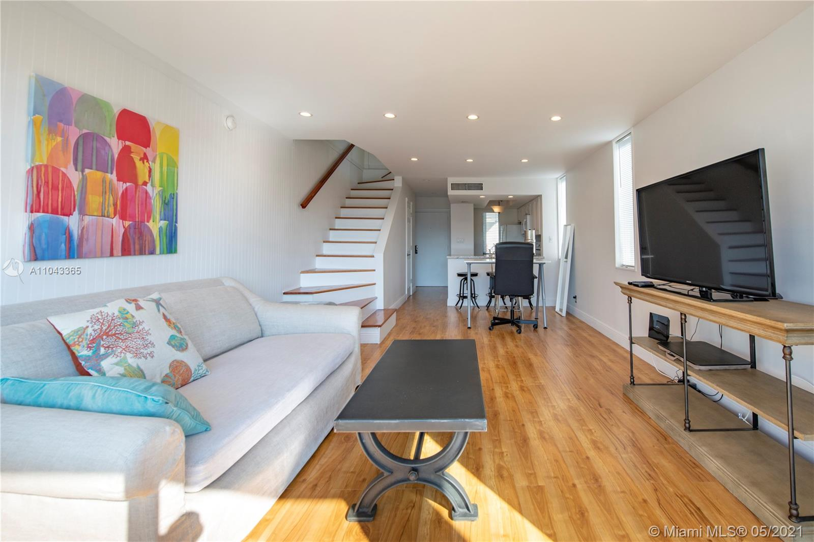Amazing 2 story corner unit condo. Open floor plan, renovated kitchen and baths, recessed lightning, W/D in the unit. Close to beaches, restaurants, shops and airport.UNIT HAS A TENANT WITH LEASE UNTIL 01/31/2022.NO BOAT SLIP & NO WATER VIEW.