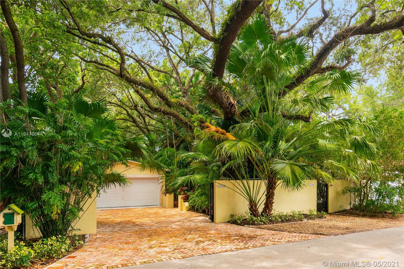 7220  Erwin Rd  For Sale A11041551, FL