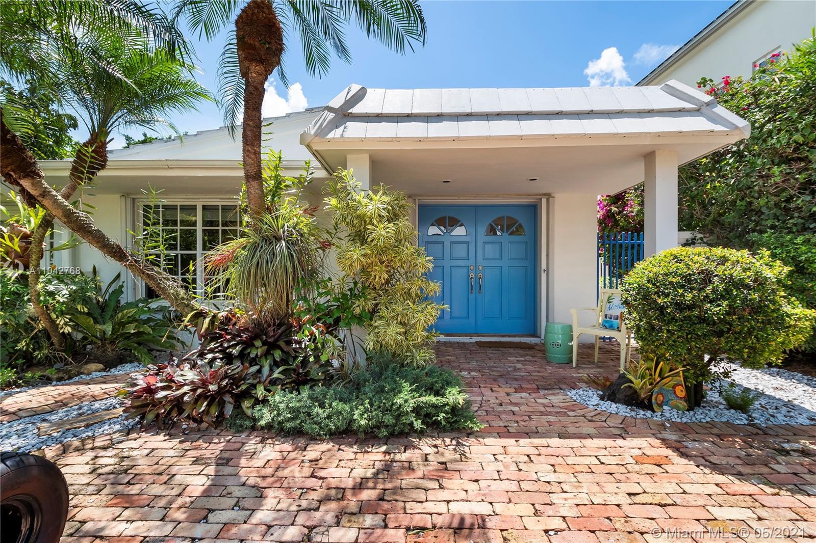 380  Ridgewood Rd  For Sale A11042768, FL