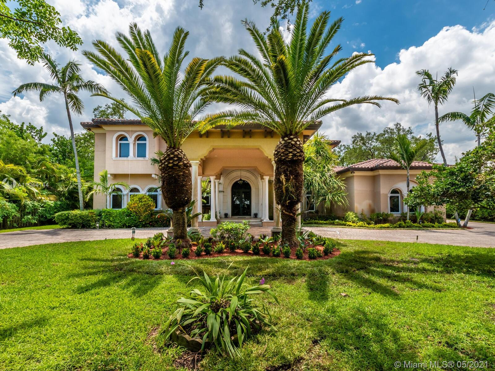 10900 SW 62nd Ave  For Sale A11044144, FL