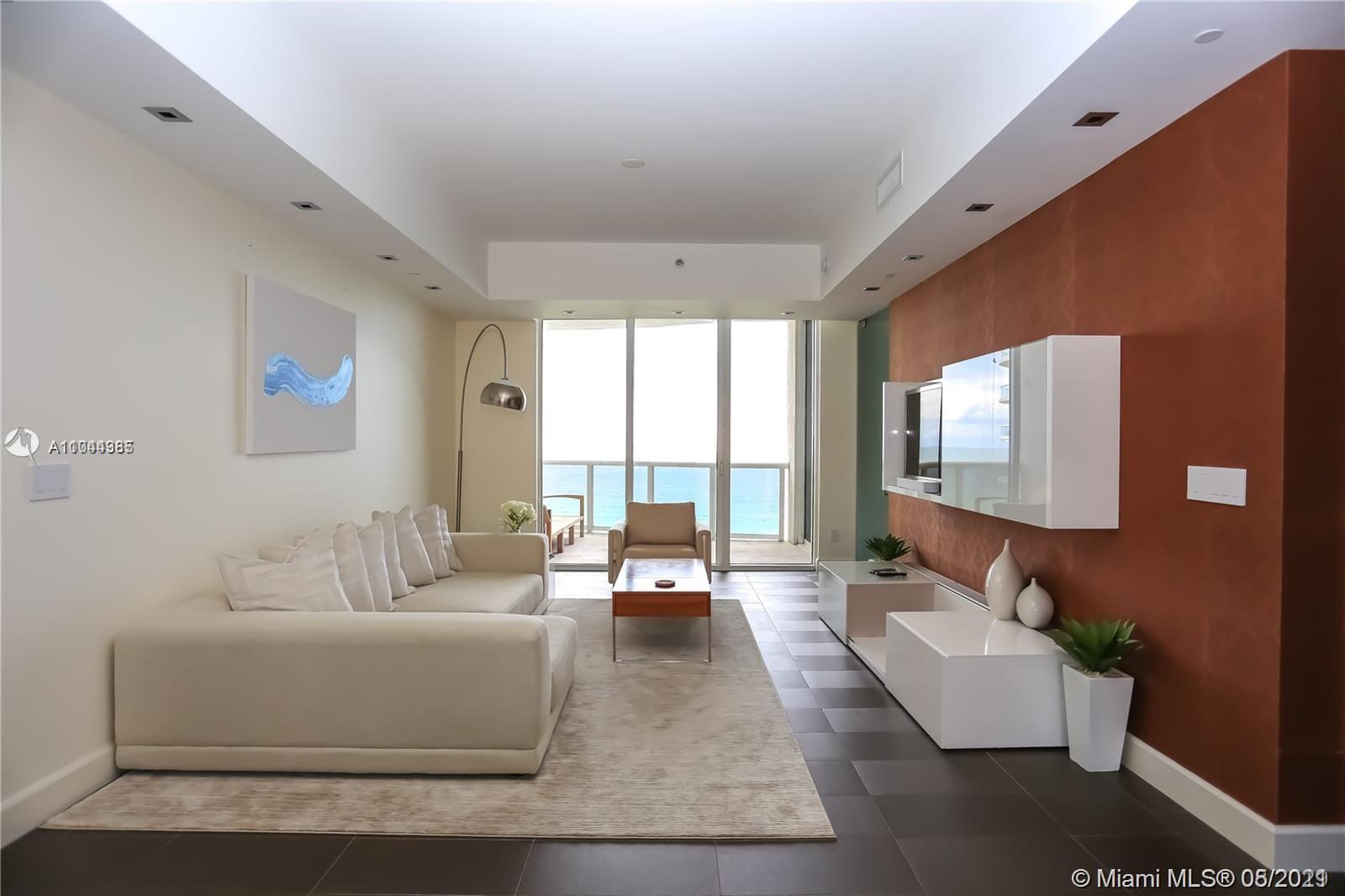 16001  Collins Ave   804-1