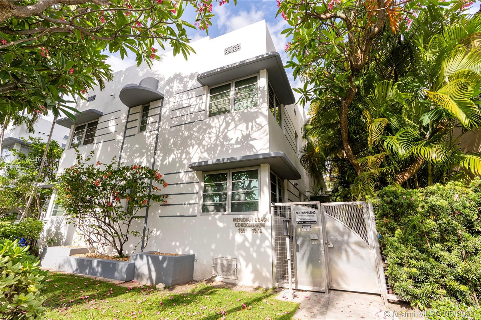 1553  Meridian Ave #103 For Sale A11044528, FL