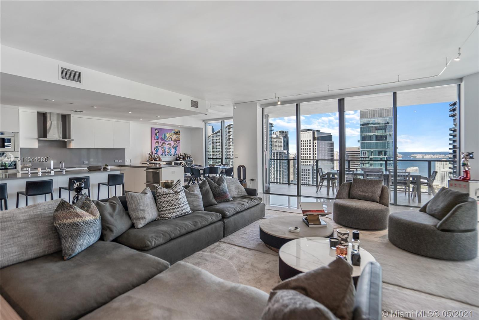 88 SW 7th St #3701 For Sale A11044080, FL
